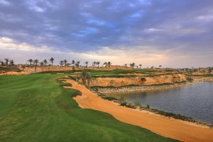 Approach to the par 5, 14th hole. What a stunner.