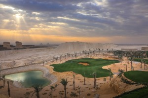 The dramatic 4th hole, par 3 with the Pyramids as a backdrop. WOW